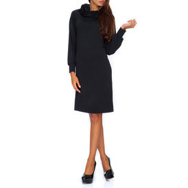 Suknele su kaklu juodos spalvos